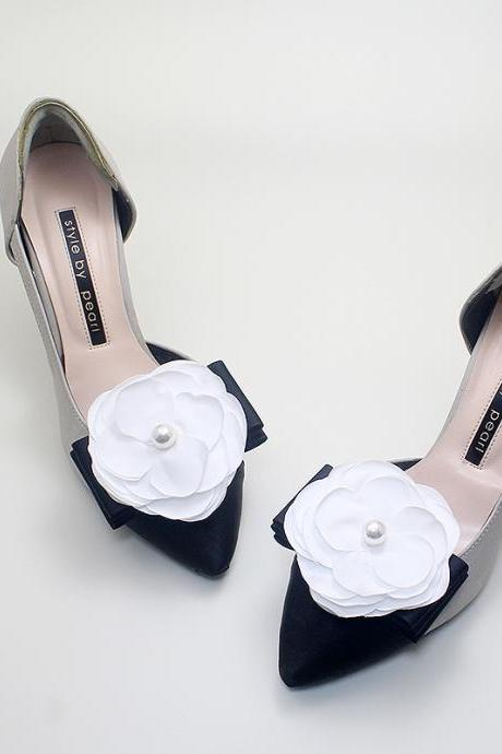camellia flower wedding,camellia RIbbon Bridal Shoe Clips,Wedding Clips, Bridal Shoe Accessories,wedding shoes corsage,ribbon shoes clip