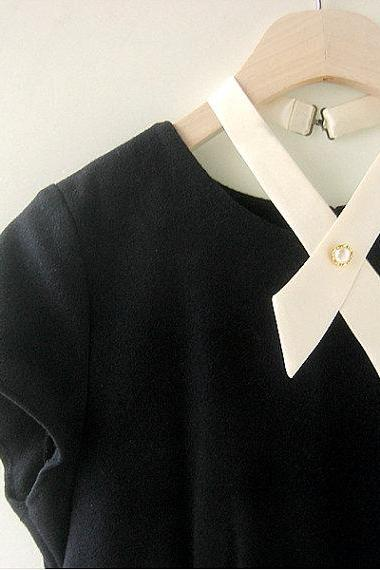FREE SHIPPING,Ivory crosstie,necktie,Navy neck tie for woman,wedding
